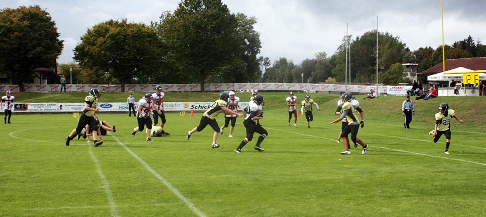 Crusaders B-Juniors: 2012 gelang mit einem Sieg gegen Feldkirchen ein erfolgreicher Start in die Saison (22.09.2012 - 1. Turniertag in Kirchdorf)
