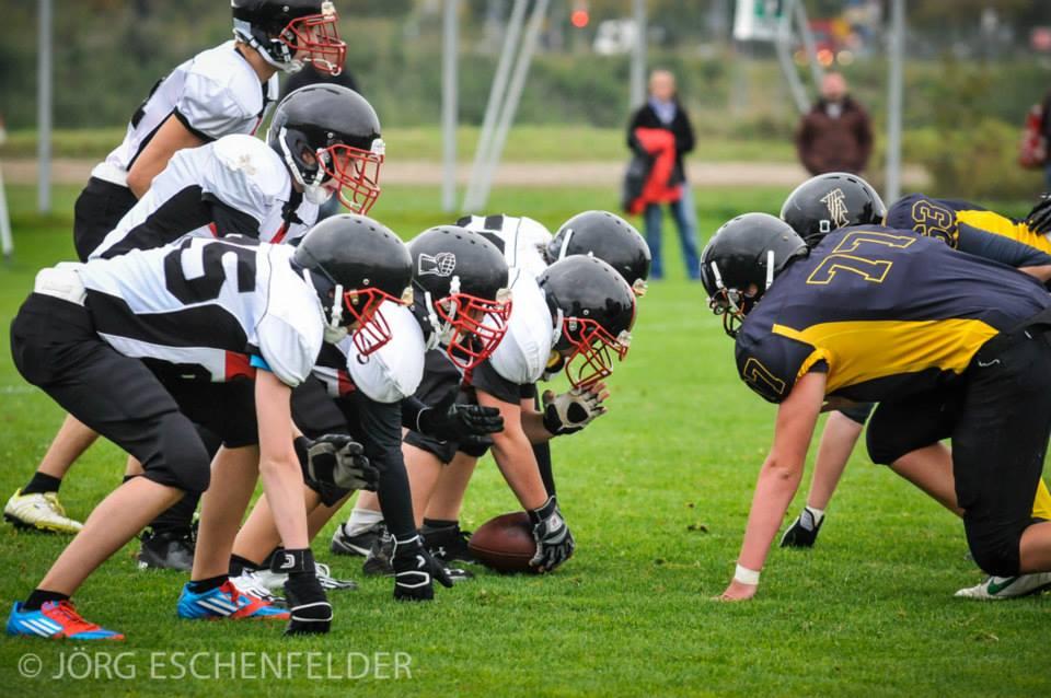 Die junge Offense_line konnte sich von Turnier zu Turnier steigern (Foto: J. Eschenfelder)