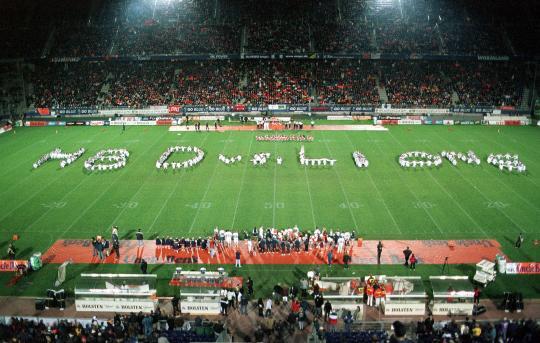 GB 1999 in Hamburg: als Sidejudge vor Rekordkulisse von 30.000 Zuschauern