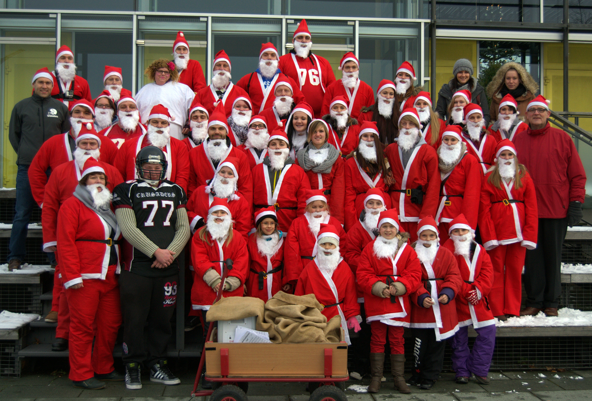 Nikolaus-Lauf 2013: Crusaders und Magic Cheerleader sorgen gemeinsam mit dem Werbering für Weihnachtsstimmung in Burghausen